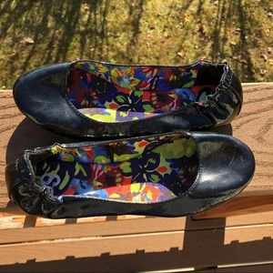S.O. CARI Black Slip On Fashion Flats